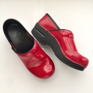 Dansko Patent Red Leather Clogs size 36 (US 5.5-6)